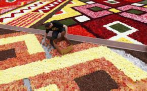 Karpet Raksasa dari Bunga 8